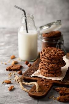 Composition de goodies au chocolat à angle élevé
