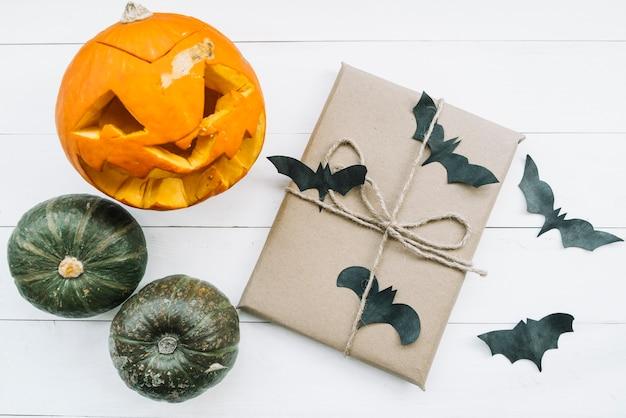 Composition d'halloween avec des chauves-souris