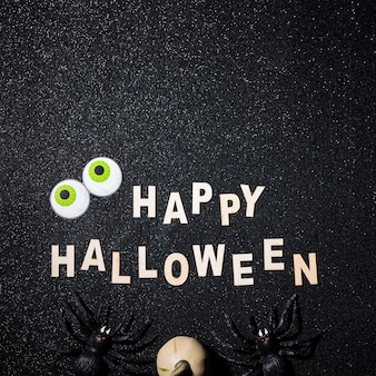 Composition d'halloween heureux avec espace copie sur le dessus