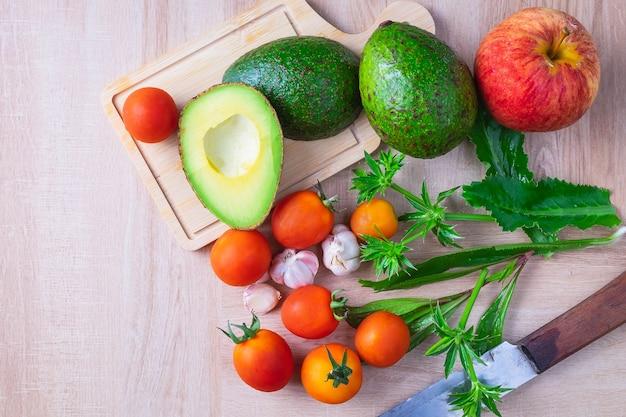 Composition et ingrédients pour cuisiner sur table