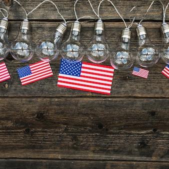 Composition de jour de l'indépendance avec des bubls légers