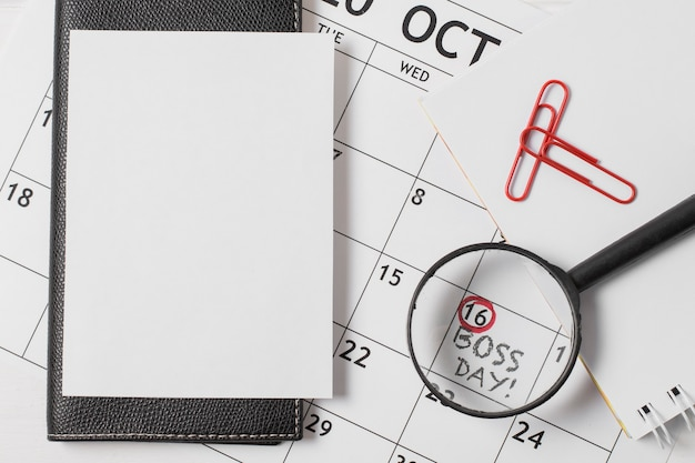 Composition de la journée du patron vue de dessus sur le calendrier