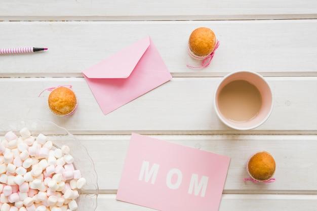 Composition de la journée de la mère rose