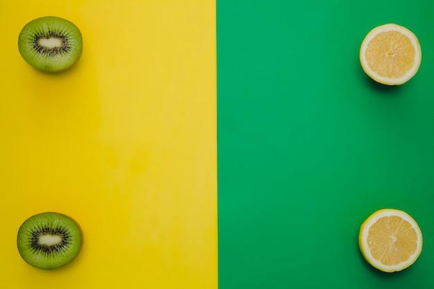 Composition de kiwi et de lemmon avec copie centrale