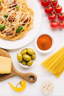 Composition laïque de plats italiens