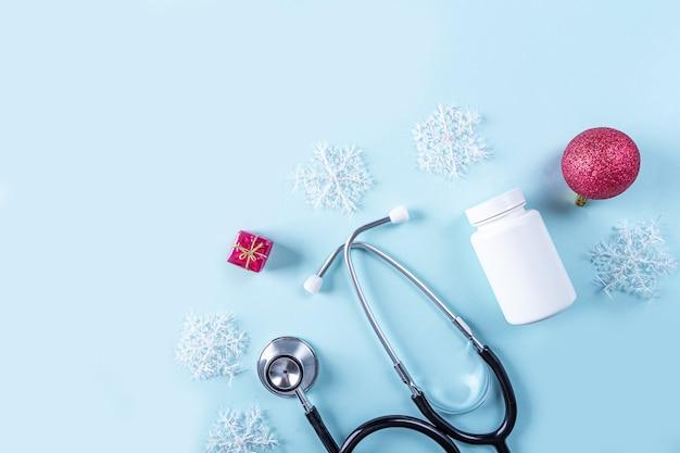 Composition médicale de nouvel an plat laïque avec stéthoscope
