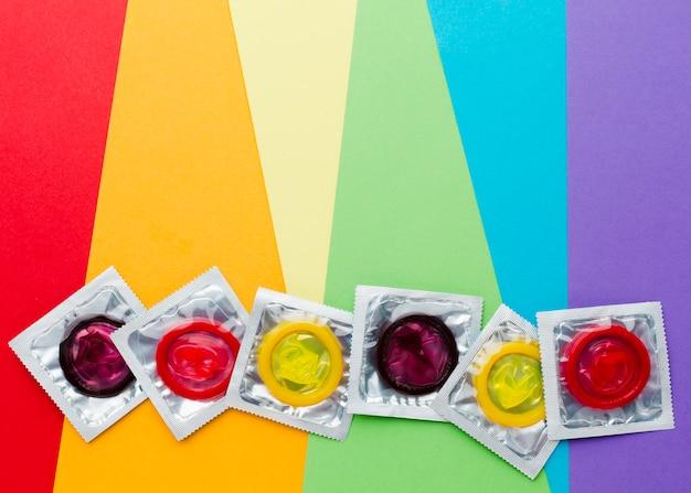 Composition de la méthode de contraception sur fond arc-en-ciel avec espace de copie