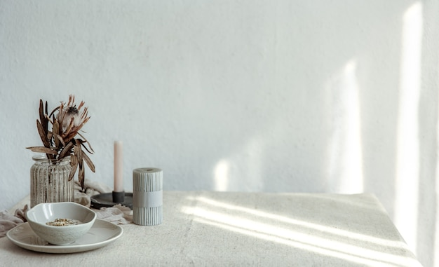 Composition minimaliste avec espace de copie de détails de décoration scandinave.
