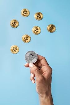 Composition minimaliste de natures mortes avec crypto-monnaie