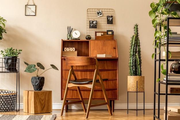 Composition moderne de l'intérieur du bureau à domicile élégant concept vintage de modèle de décoration à la maison