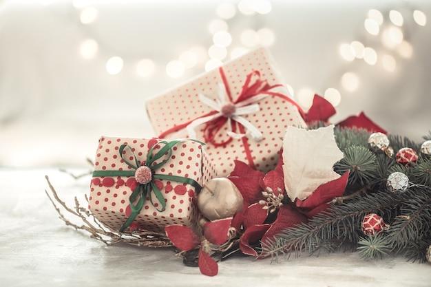 Composition de noël avec coffrets cadeaux