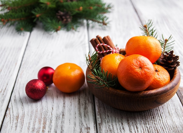 Composition de noël avec des mandarines