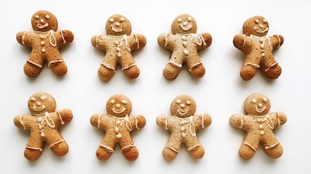 Composition de noël pain d'épice hommes biscuits
