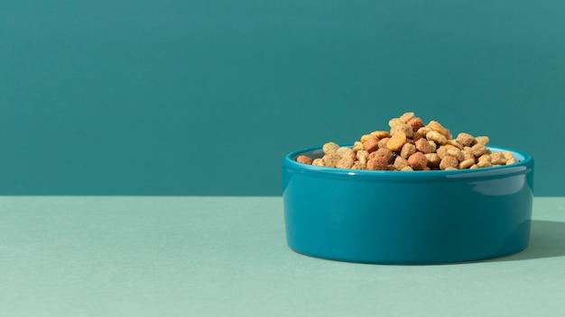 Composition de nourriture pour animaux de compagnie nature morte