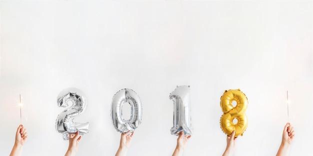 Composition de la nouvelle année avec les numéros de 2018
