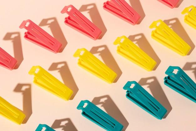 Composition d'objets plastiques non écologiques
