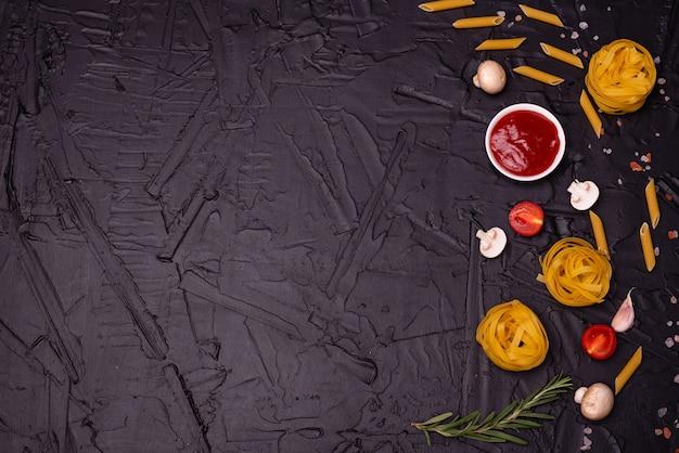 Composition de pâtes pouvant servir de fond