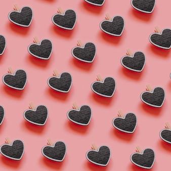 Composition de piquets de coeur sombre