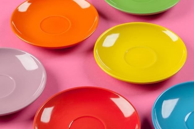 Composition de plaques colorées