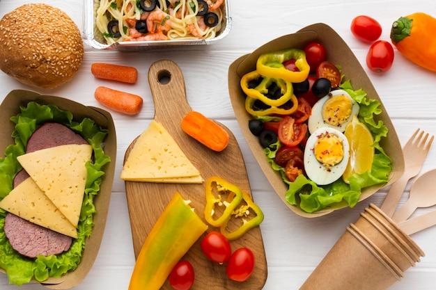 Composition à plat de repas par lots