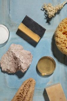 Composition de produits d'auto-soins naturels à plat
