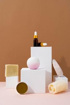 Composition de produits d'auto-soins naturels vue de face