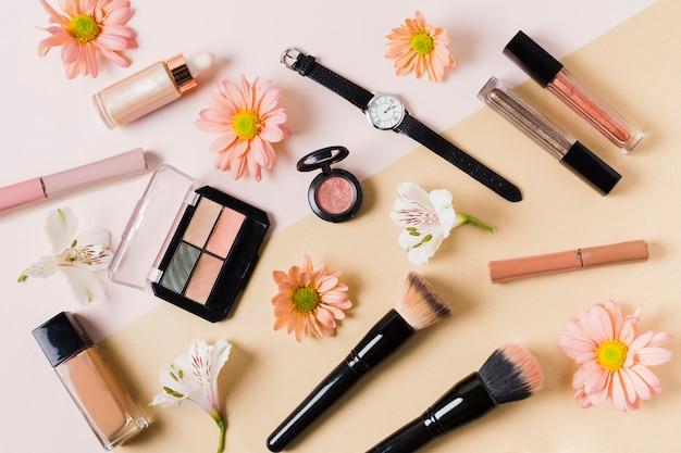 Composition avec produits cosmétiques décoratifs
