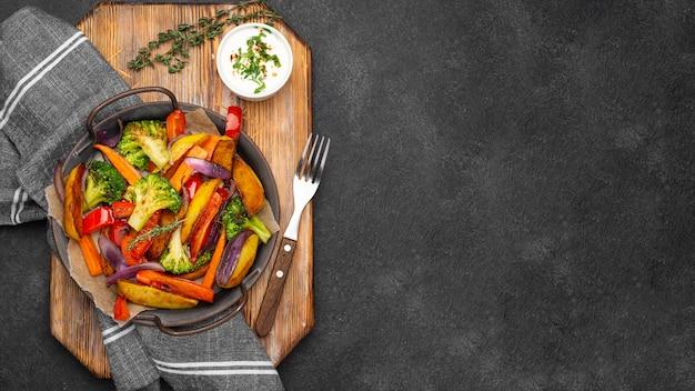 Composition de repas alimentaires locaux avec espace copie