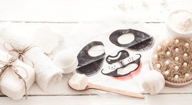 Composition de spa avec masque facial