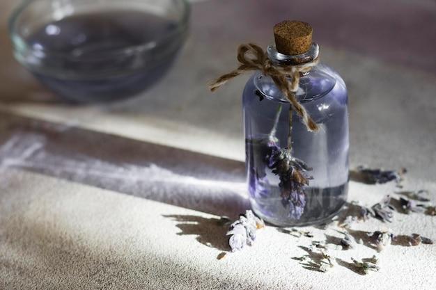 Composition de spa pour un mode de vie sain avec de l'huile de lavande