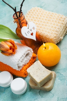 Composition de spa avec savon bio fait main