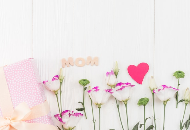 Composition des sujets pour la fête des mères
