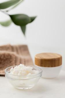 Composition de traitement au beurre de karité