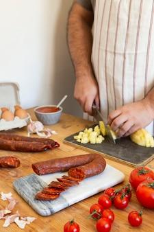Composition en tranches de saucisse chorizo savoureuse