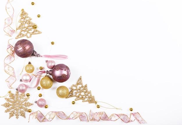 Composition de vacances de noël motif doré rose créatif festif