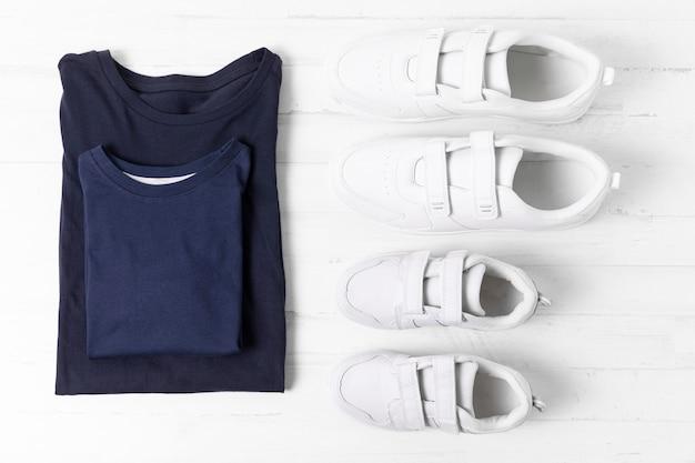 Composition des vêtements père et fils
