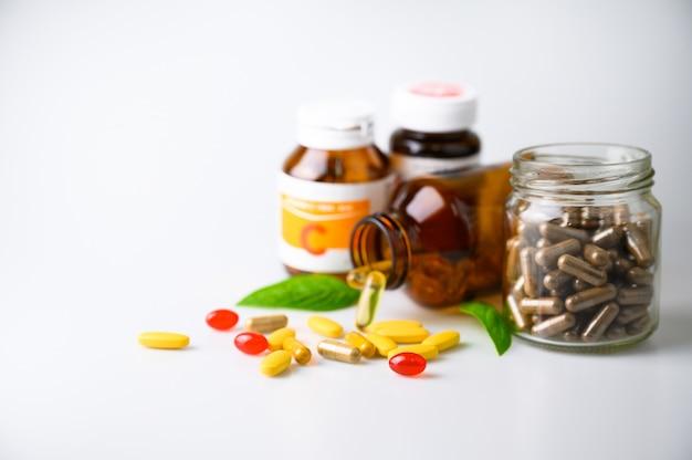 Comprimés comprimés, capsules et suppléments vitaminiques biologiques