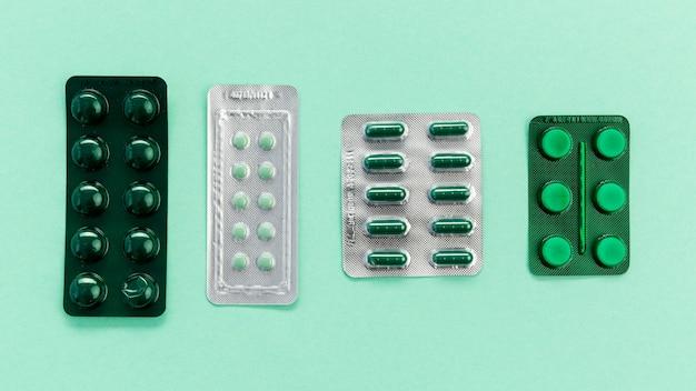 Comprimés de pilules de différentes tailles