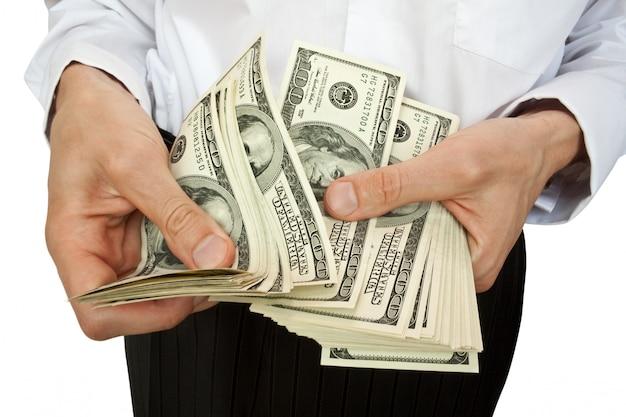 Compte d'argent en mains
