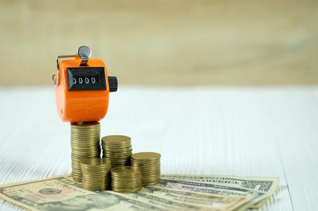 Compteur ou compteur avec pièce de monnaie et argent