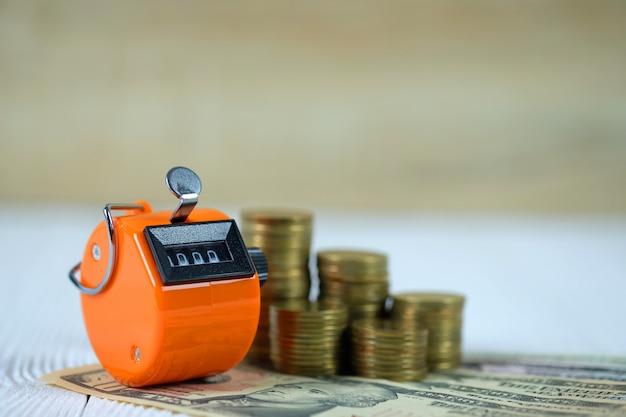 Compteur ou pièce de comptage et billet de banque