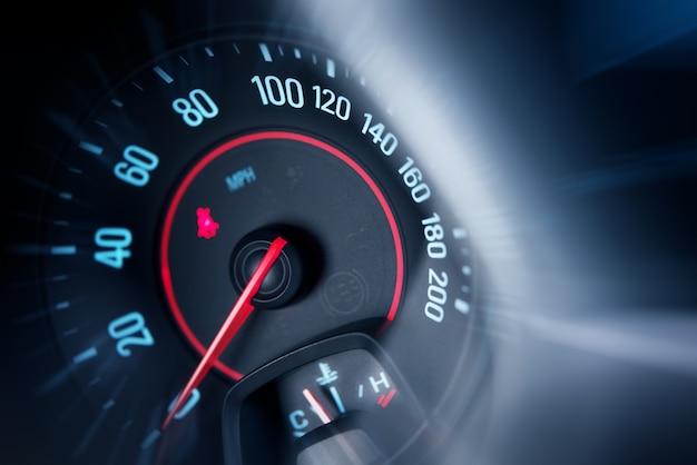 Compteur de vitesse de voiture