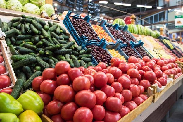 Comptoir du marché des producteurs de légumes