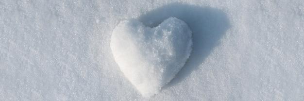 Concept abstrait de coeur de neige