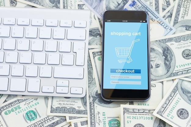 Concept d'achat mobile - boutique virtuelle virtuelle sur l'écran du téléphone