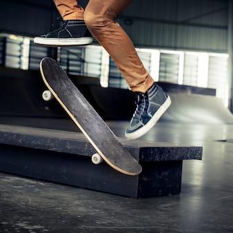 Concept d'activité récréative skateboard extreme sport skater park