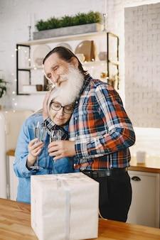 Concept d'âge et de personnes