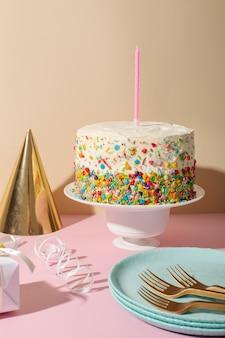 Concept d'anniversaire avec chapeau de fête