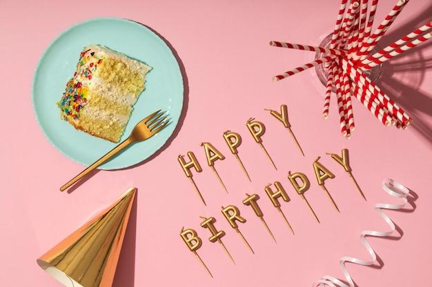 Concept d'anniversaire avec vue de dessus de bougies