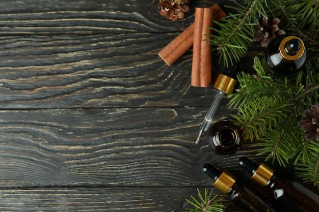 Concept d'aromathérapie à l'huile de pin sur table en bois